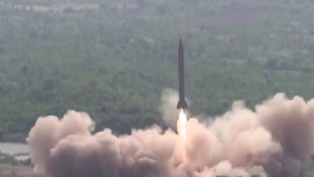 """叫板s400导弹?""""巴铁""""试射弹道导弹 可携核弹头覆盖印多地"""