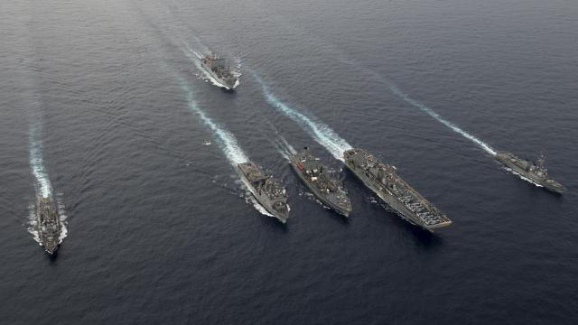 """杜特尔特""""冷落美国"""" 拒美军南海演习邀请 将参加中国海上军演"""