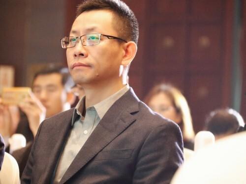 首届健康中国年会在京举办,人民国肽集团斩获双项大奖