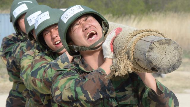 """农夫部队在美军亲手调教后竟逆袭成""""亚洲一流"""""""