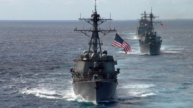 """多艘中国军舰监视!两艘美军舰穿越台湾海峡 台当局""""乐了"""""""