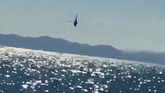 实拍:墨西哥海军MI-17直升机载12人坠海 周边渔船紧急救