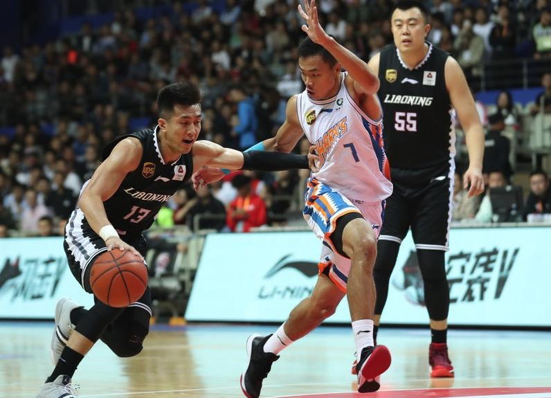 弗雷戴特37+9+9郭艾伦25分 上海送辽宁赛季首败