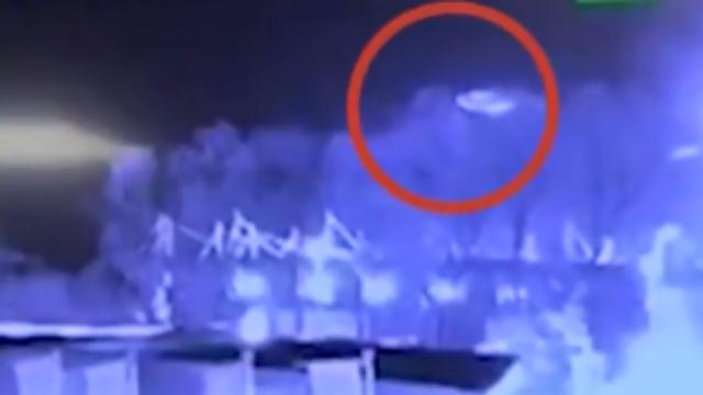 英超老板直升机坠毁瞬间画面曝光:机尾不断旋转坠落