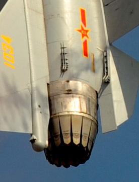 歼-10B做个眼镜蛇机动?你太小瞧它了