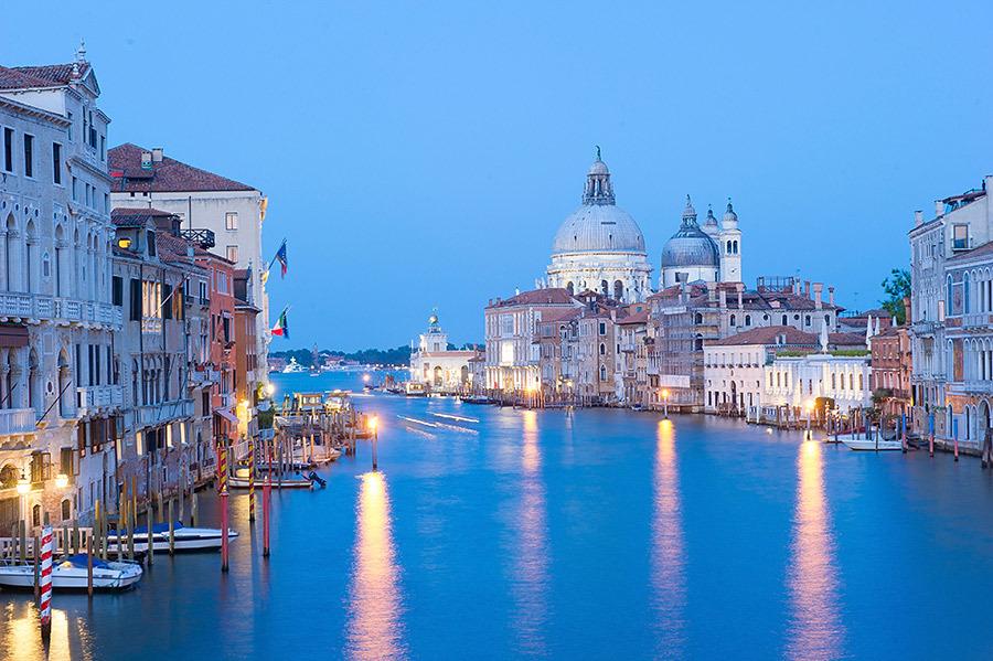 全球十大即将消失的热门景点之一 全部由木桩支撑着的城市又被淹
