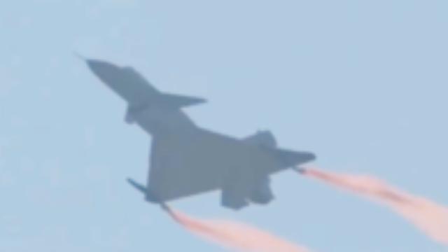 歼10B、歼20航展大放异彩,台湾绿媒又酸了