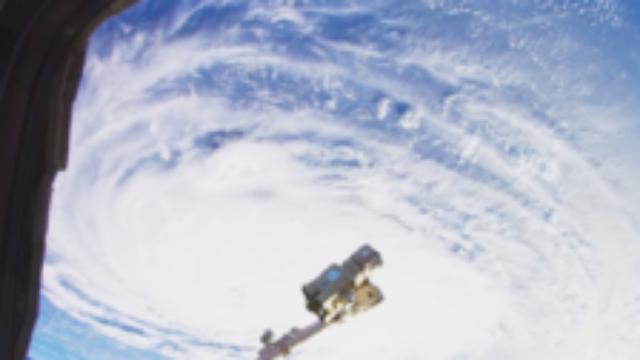 NASA公布首支太空8K超高清视频 连台风眼都清晰可见
