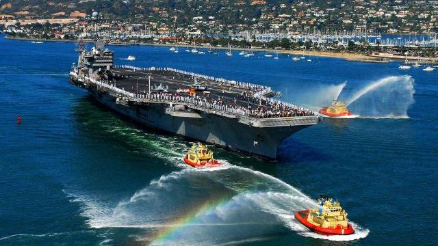 美国调动两艘航母和上百架战斗机  自称为了维护太平洋自由