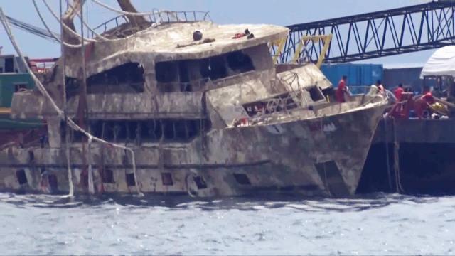 """曾致47名中国游客遇难!泰国""""凤凰号""""上岸 沉船原因将出"""