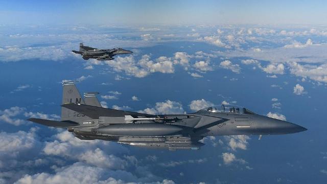 剑指俄罗斯!美英法战机北海上空军演 英军一口气派40多架战机
