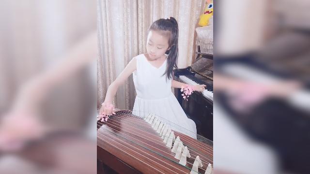 左手钢琴右手古筝!这个9岁女孩爆红网络