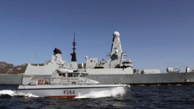 现场视频:西班牙军舰奏国歌闯直布罗陀海域 英军紧急拦截