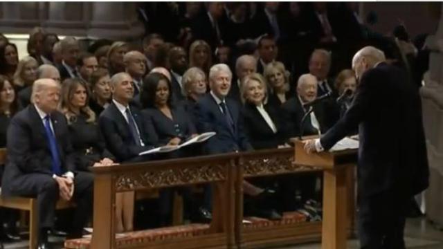 老布什葬礼没那么悲伤!前议员致悼词揭过往趣事,全场大笑