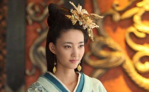 离奇 皇后被夸后自杀 大臣羞辱宠妃受赏 降将归国受封后病死