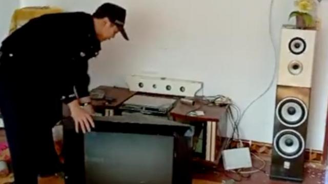 四川宜宾地震瞬间:房屋剧烈颤抖 轰隆声如飞机飞过