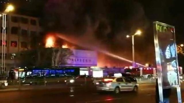 济南:山东大学齐鲁儿童医院突发火灾