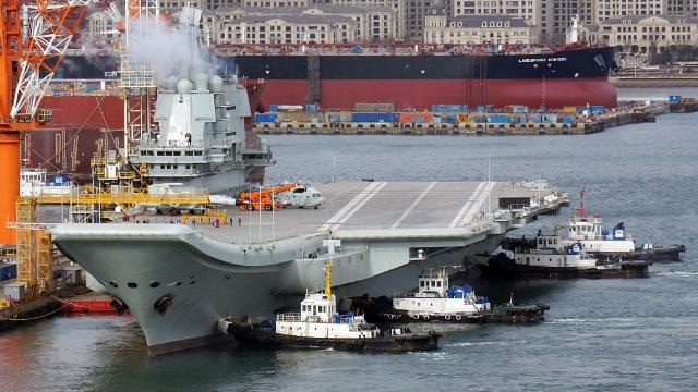 """首艘国产航母即将入列?专家:或在海军这一""""重要时刻""""亮相"""
