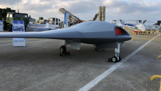 国产天鹰飞翼无人机曝光,外形类似MQ25,隐身能力很强