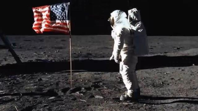 惊!阿波罗登月计划是造假?7张高清登月照片就能证明!