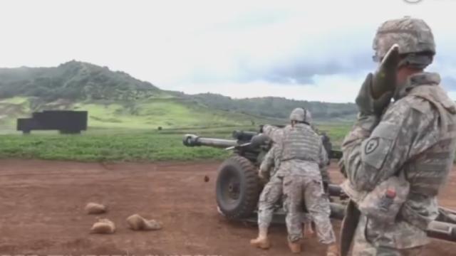 美军炮兵实弹射击视频