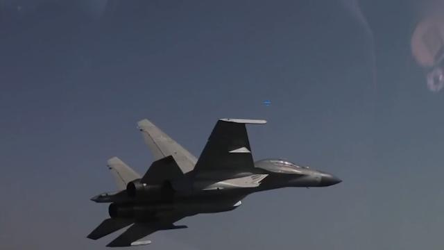 歼-16跨昼夜飞行画面曝光!滚筒飞行、对地轰炸让你一次看个够