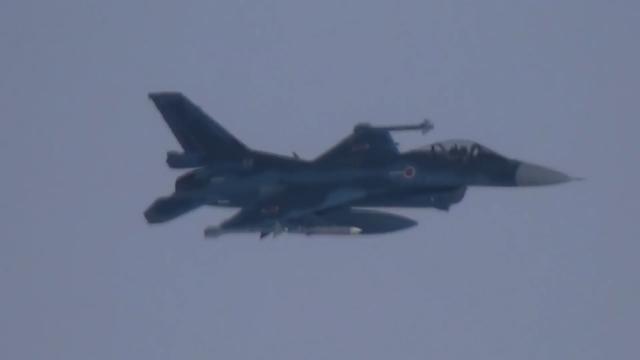 现场曝光!日本战机伴飞俄战略轰炸机 连飞行员都清晰可见