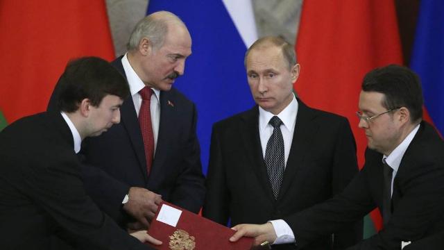 重磅!卢卡申科称白俄罗斯准备与俄罗斯合并成一国 普京当场表态