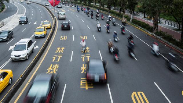 为什么在日本很少发生交通事故呢?网友:最主要还是罚款重!