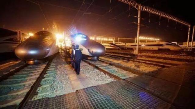 """中国""""最神秘""""高铁:天天发车却不载客,有钱也坐不了"""