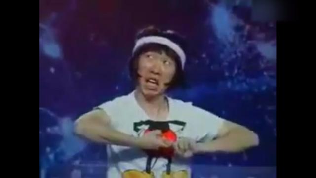 杨迪早年参加中国达人秀的表演,真真是个表情帝啊!