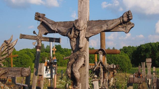 立数十万十字架抗议,却因伟大的包容性,感动俄罗斯教皇
