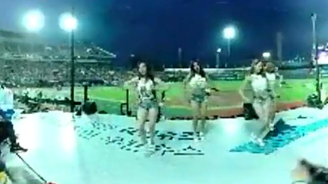 2019韩国美女球场热舞.