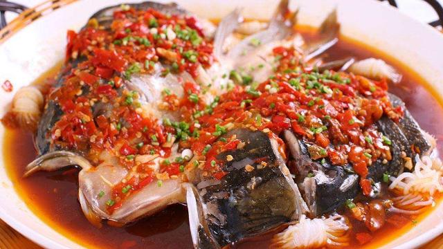 辣椒鱼头美食菜谱