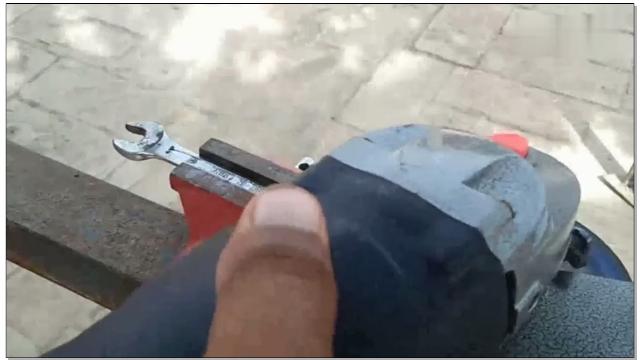 气动扳手维修结构图