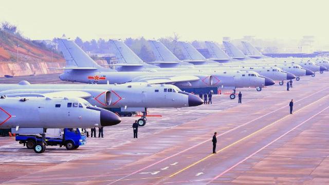 进入一级战备,我国能出动多少战机?专家:33个航空师整装待发