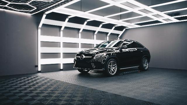 全新奔驰GLE预售74-85万,能否匹敌宝马全新X5?