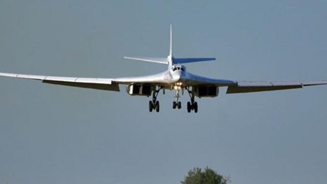 图160轰炸机打头阵,50架战机飞向北约舰队,美下令不准率先