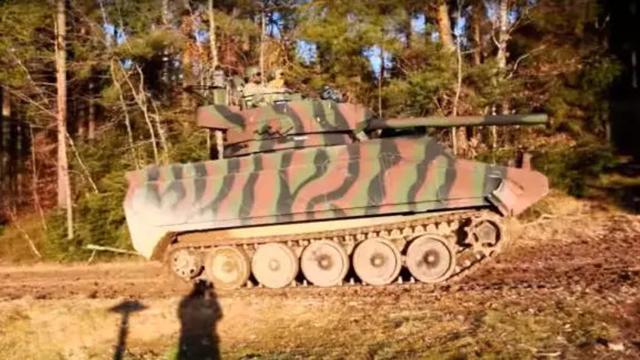 美国陆军假想敌部队再次曝光,M113模拟俄罗斯坦克惟妙惟肖