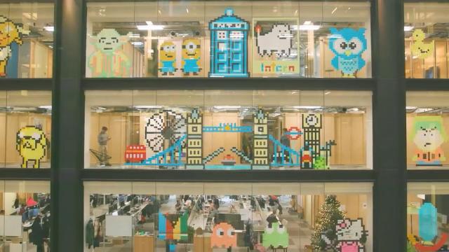 谷歌员工脑洞大开 用便签纸把办公室变成像素画廊