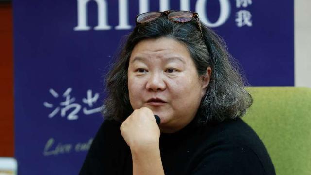 65岁陈凯歌前妻曝光,如今又老又肥,即便如此陈红还是惹不起她
