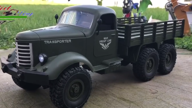 RC世界第一季 03 美国陆军前线运输卡车模型开箱