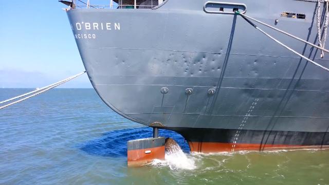 美国军舰螺旋桨在水下是如何工作?这个视频解开我多年的疑惑!