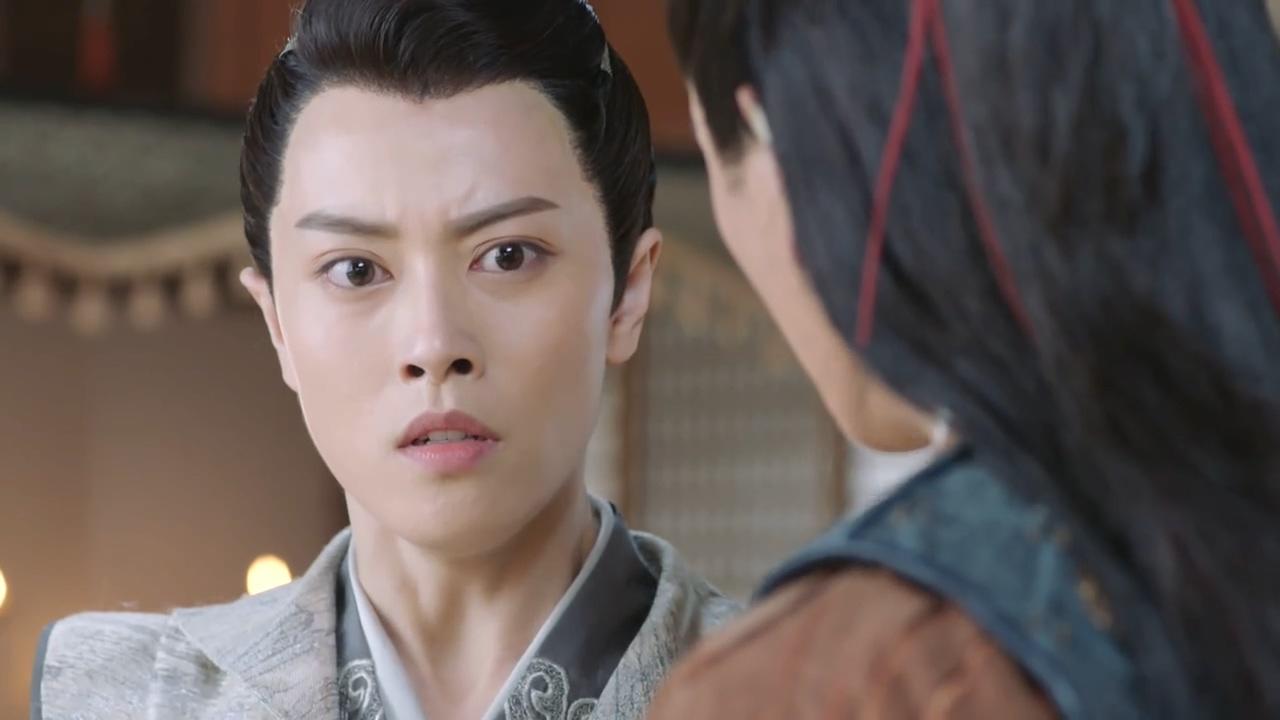 小女花不弃:这名男子竟在京城,女子的表情真是惊呆了