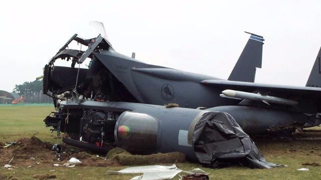 美军12架战机坠毁23人丧命!还没打伊朗,美国先损兵折将