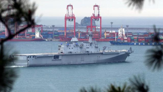 韩国第二艘准航母首次试航,相比独岛舰有哪些变化?