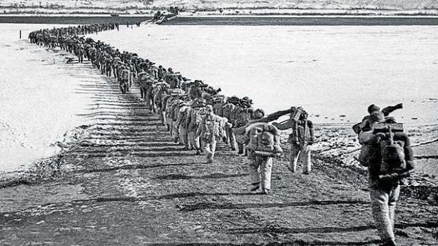 朝鲜战争结束,志愿军终于可以回家,喜悦充满全中国