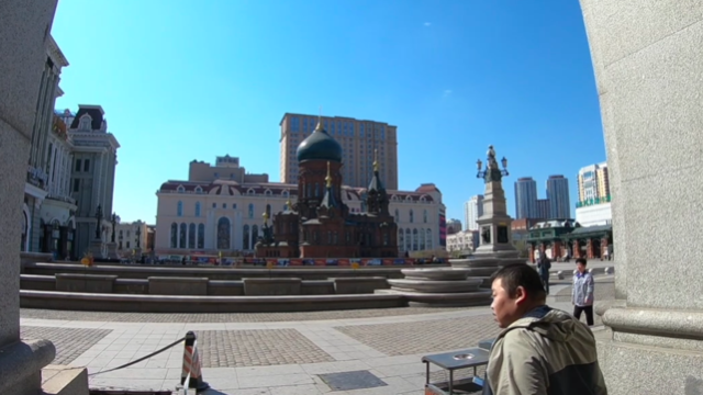 哈尔滨市有一片空地,是市内最大的广场,游客到哈尔滨必到之地