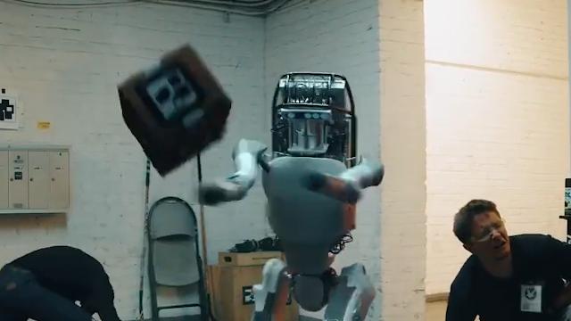 波士顿动力机器人反击 背后真相