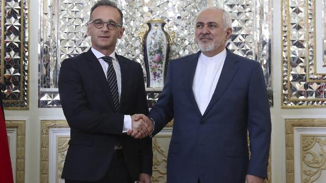 """美压迫下伊朗踏出危险一步,欧盟一哥急忙灭火,送来救命""""稻草"""""""